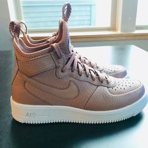 Nike AirForce 1 UltraForce Mid WMNS 8.5 NEVER WORN